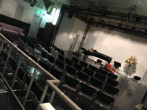 会場の写真1